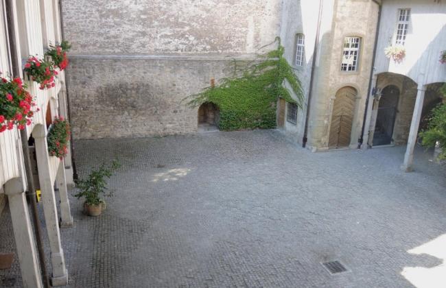 Cour du Château de Bulle