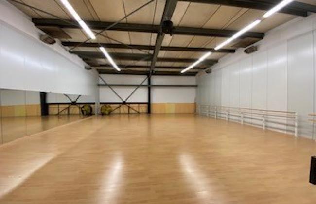 Dance Center Monique van der Roer